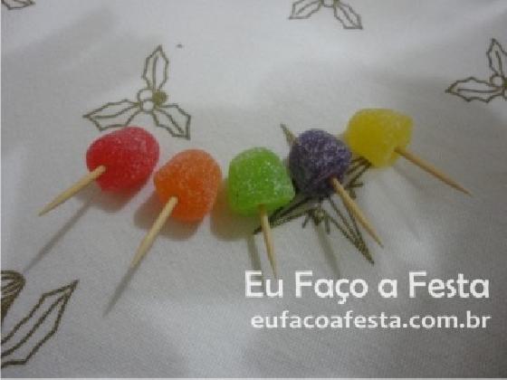 Jujubas nos palitos - Portal de eventos Eu Faço a Festa