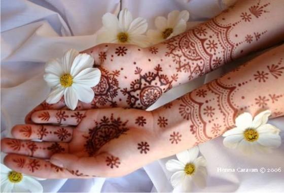 Tatuagem de Henna para festa árabe