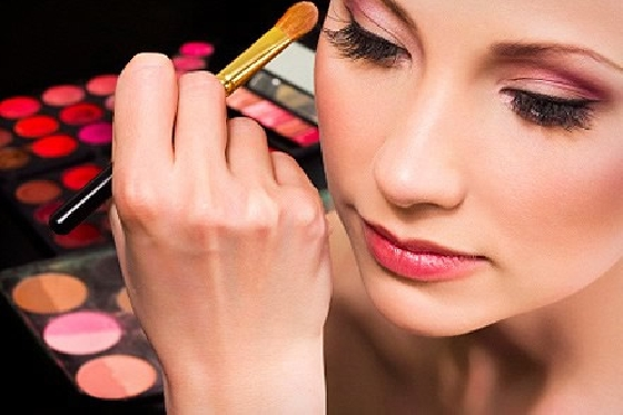 Maquiagem durante comemorações