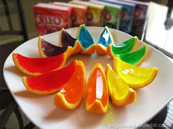 Decore alternando as cores das gelatinas - sugarsoiree