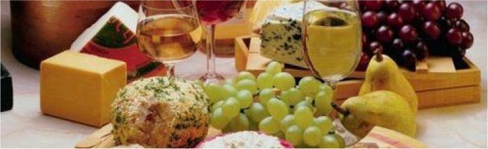 Cesta de vinhos e queijos