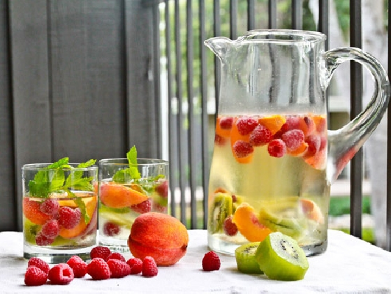 Receita de água aromatizada - hereluctantrawfoodist
