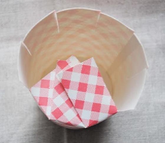 Caixinha com copo de papel