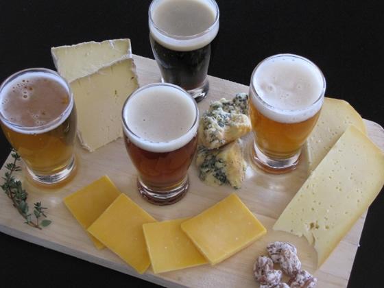 A incrível harmonização da Cerveja com o queijo