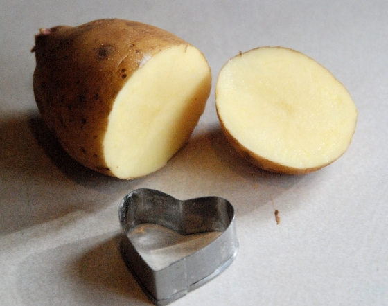 Carimbo na batata - homemadeserenity