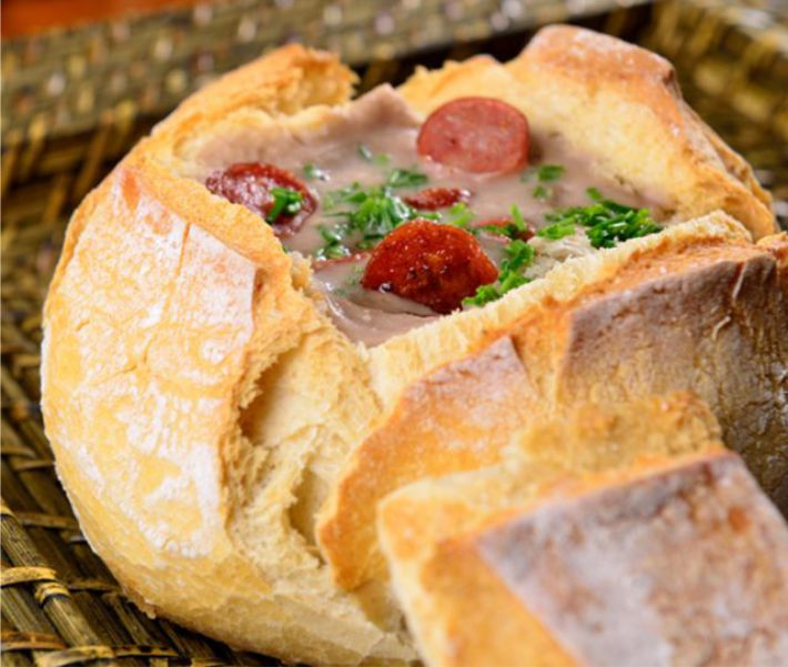 Caldo no pão