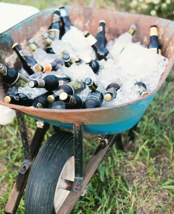 carrinho de mão para gelar bebidas